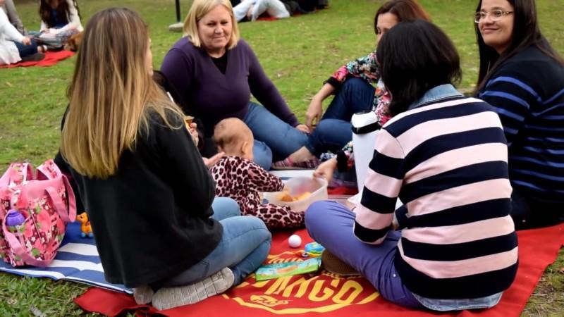 Social Towel è un intervento urbano volto a migliorare la socializzazione tra estranei.