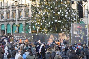 Albero_Natale_Milano_natallegria