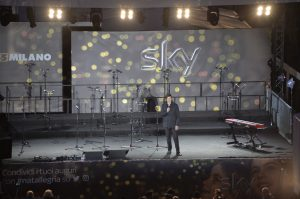 Albero_Natale_Milano_presentatore