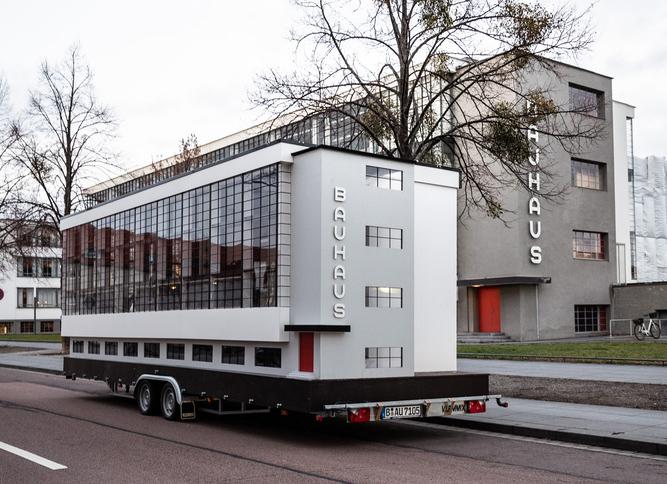 Autobus speciale_anniversario 100 anni Bauhaus 2019