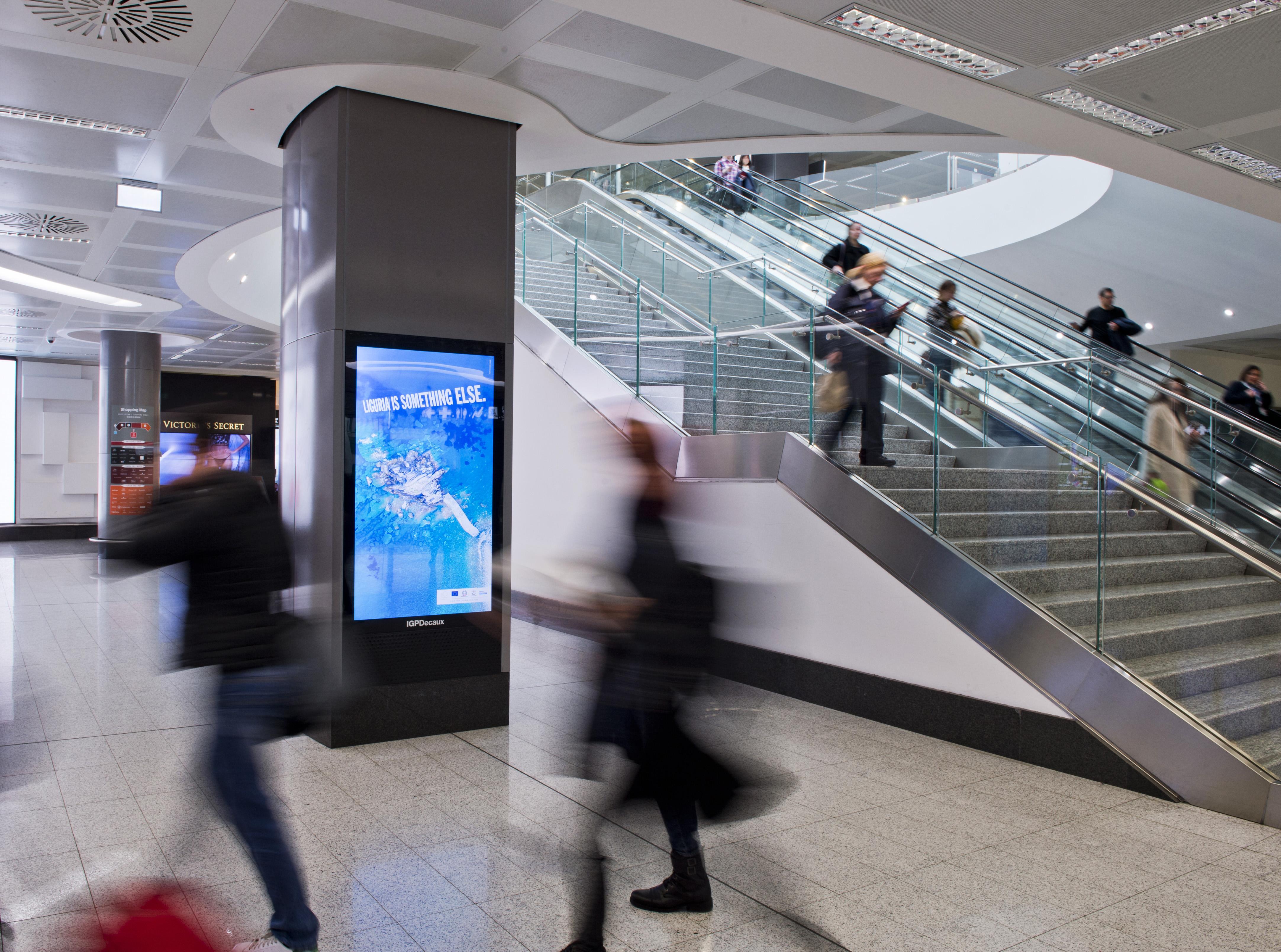 Aeroporto_Malpensa_pubblicità_DigitalOOH_IGPDecaux
