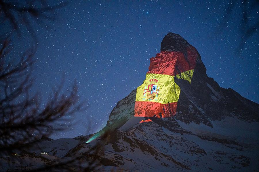 Matterhorn_colori_bandiera_Spagna