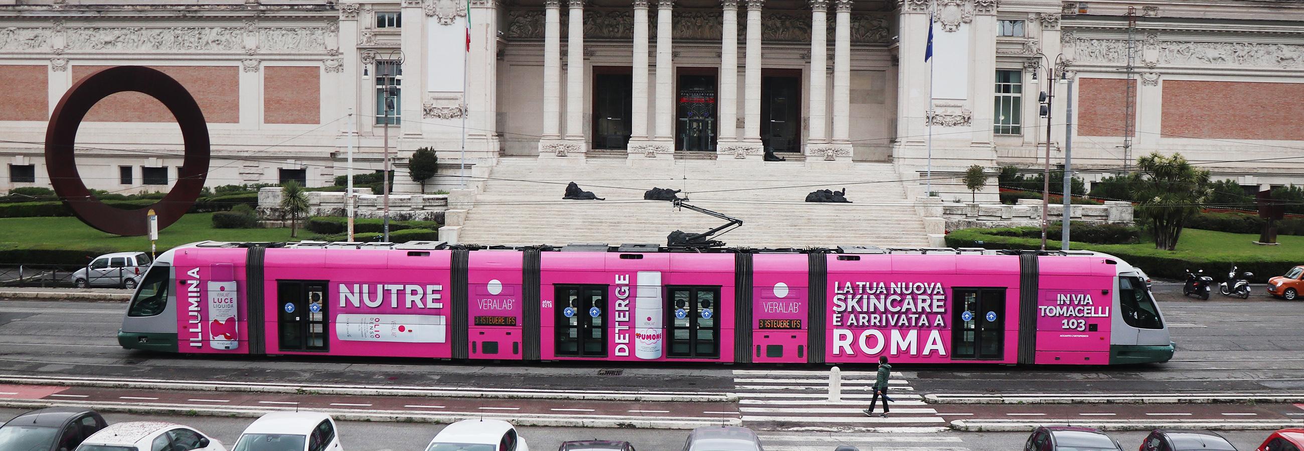 Banner Full-Wrap campagna OOH Roma per L'Estetista Cinica