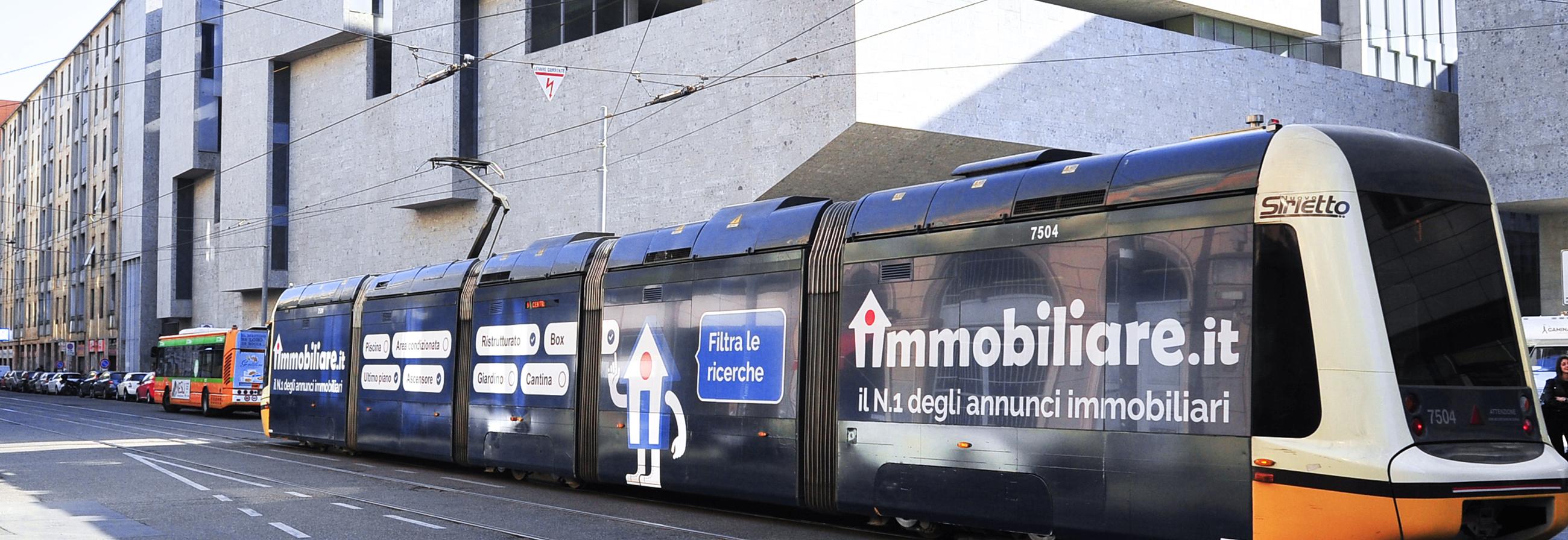 Vetture decorate a Milano per Immobiliare.it