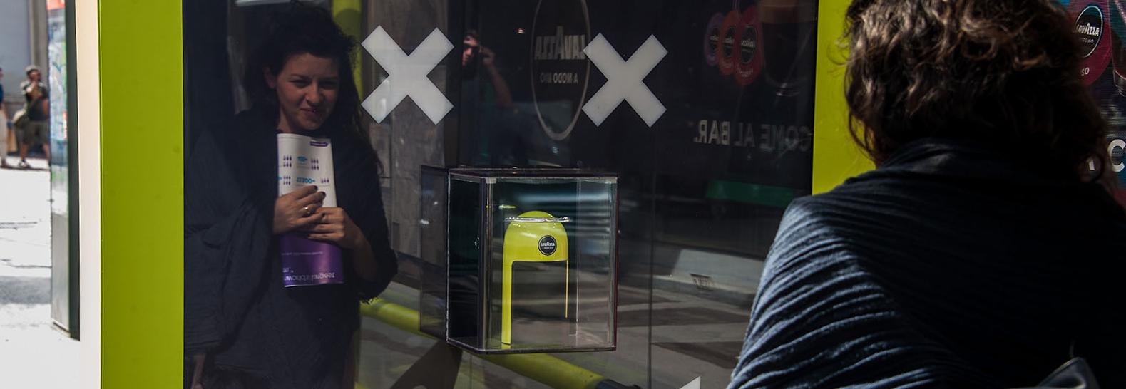 Lavazza Showcase Brand Shelters IGPDecaux