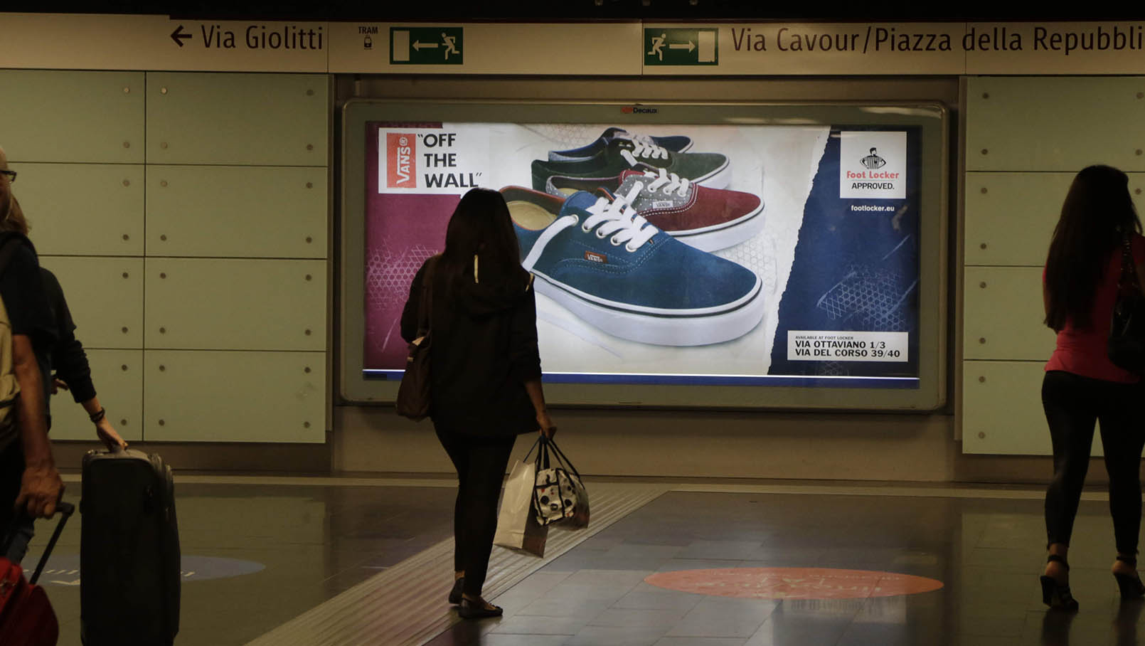Metropolitana foot locker foot locker vans 2014 9 - Foot locker porta di roma ...