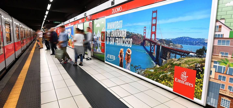 IGPDecaux Milano Station Domination per Emirates