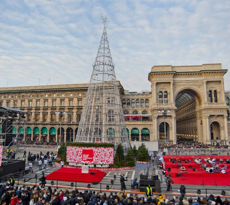 Christmas tree IGPDecaux for Esselunga Milan 2019
