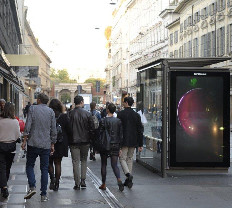 le pensiline digitali di Milano sono diventate SMART
