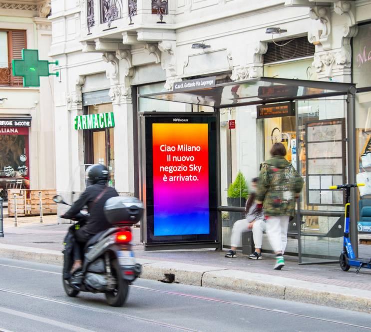 DOOH Media IGPDecaux Milano Network Vision per SKY Italia