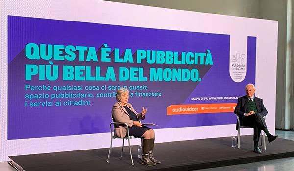 """Clear Channel, IGPDecaux e Ipas per la prima volta insieme, colorano le città italiane con """"La pubblicità più bella del mondo"""""""