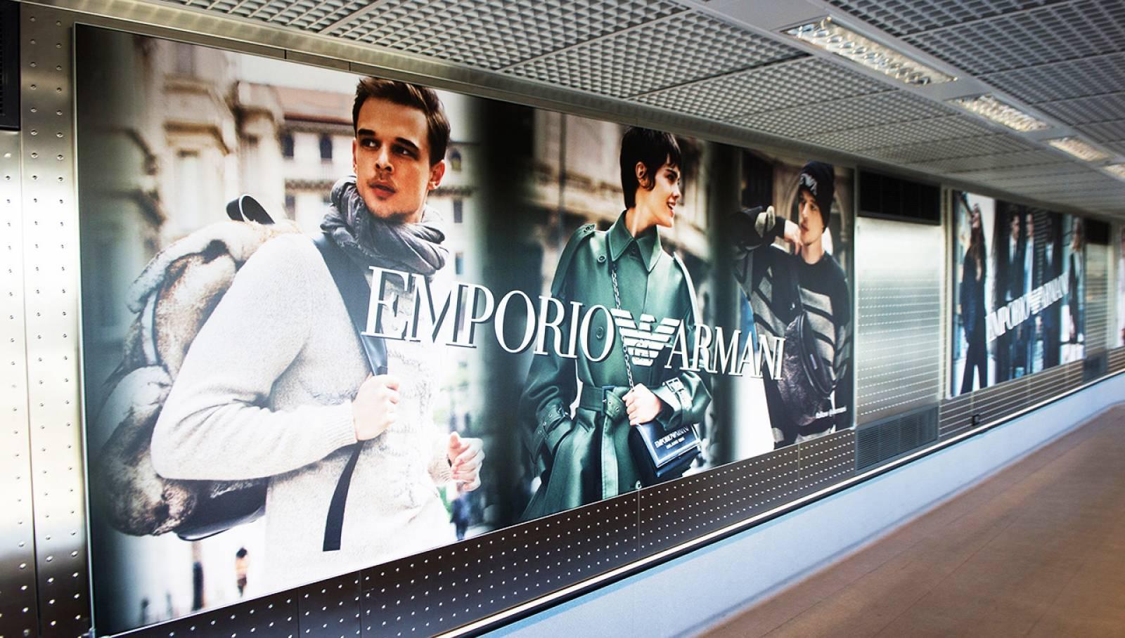 Malpensa aeroporto pubblicità Finger per Armani IGPDecaux