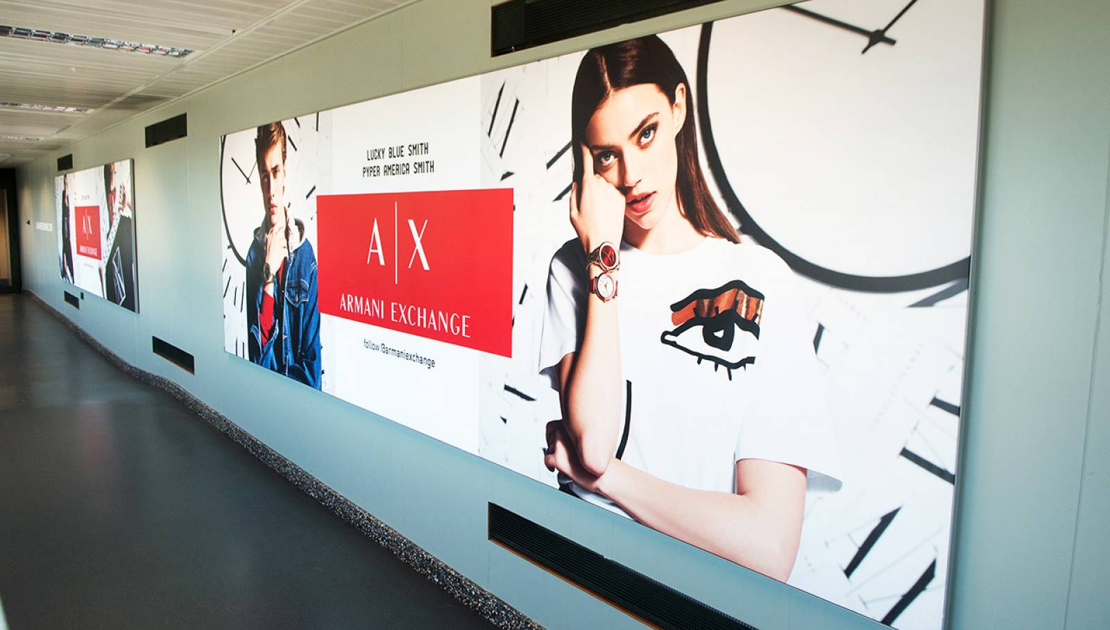 OOH Advertising IGPDecaux Finger a Malpensa per Armani