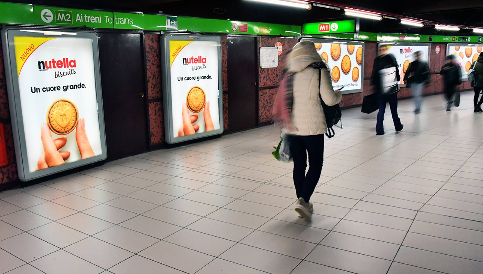 IGPDecaux outdoor communication in Milan Station Domination for Ferrero Nutella Biscuits