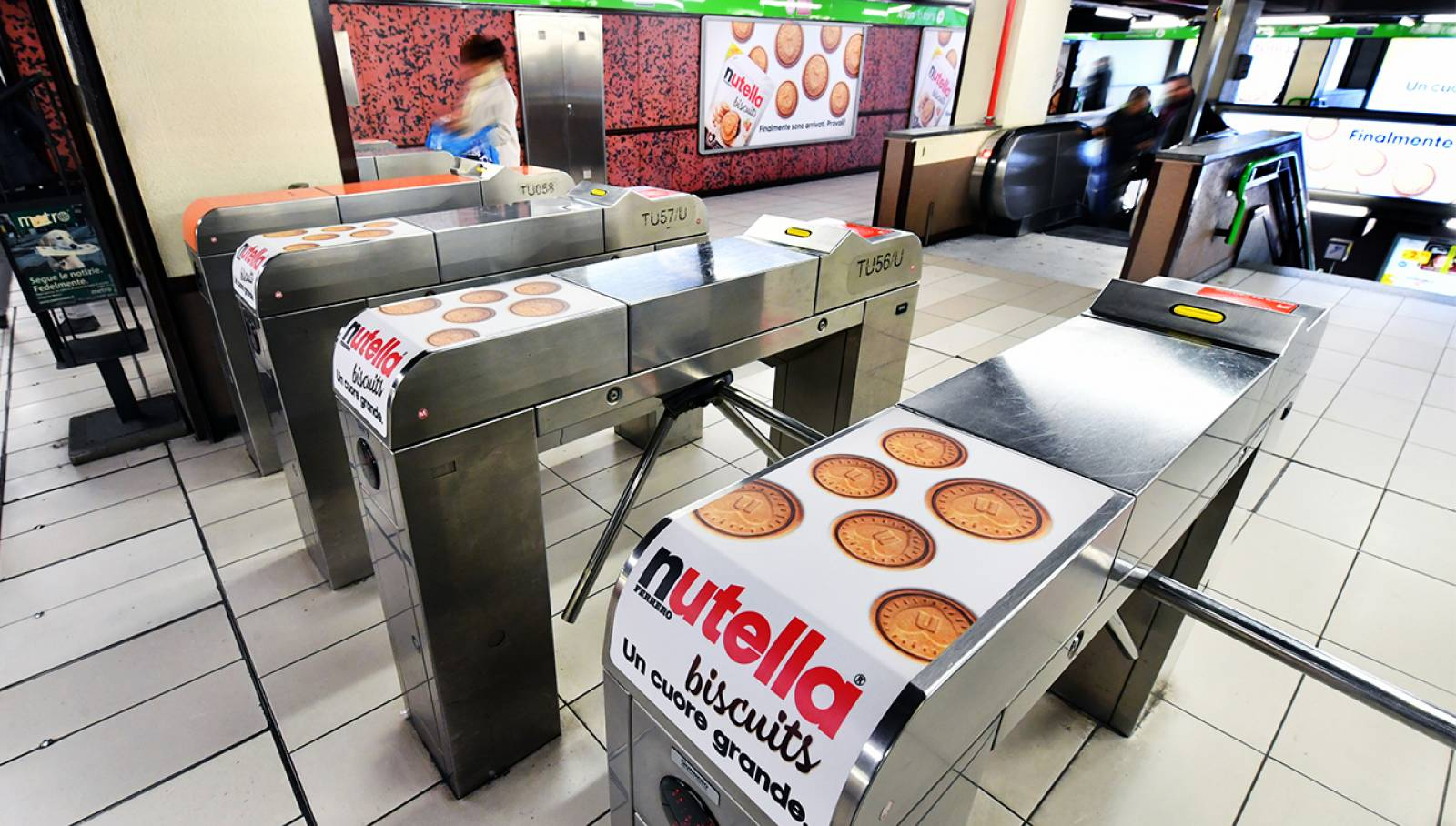 Station Domination IGPDecaux in Milan for Ferrero Nutella Biscuits