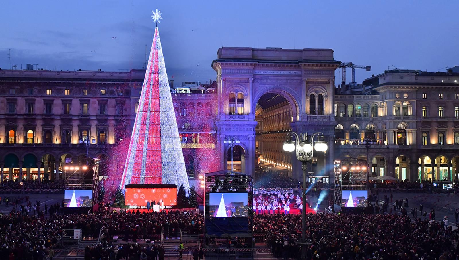 Inaugurazione Albero di Natale IGPDecaux per Esselunga Milano Piazza Duomo