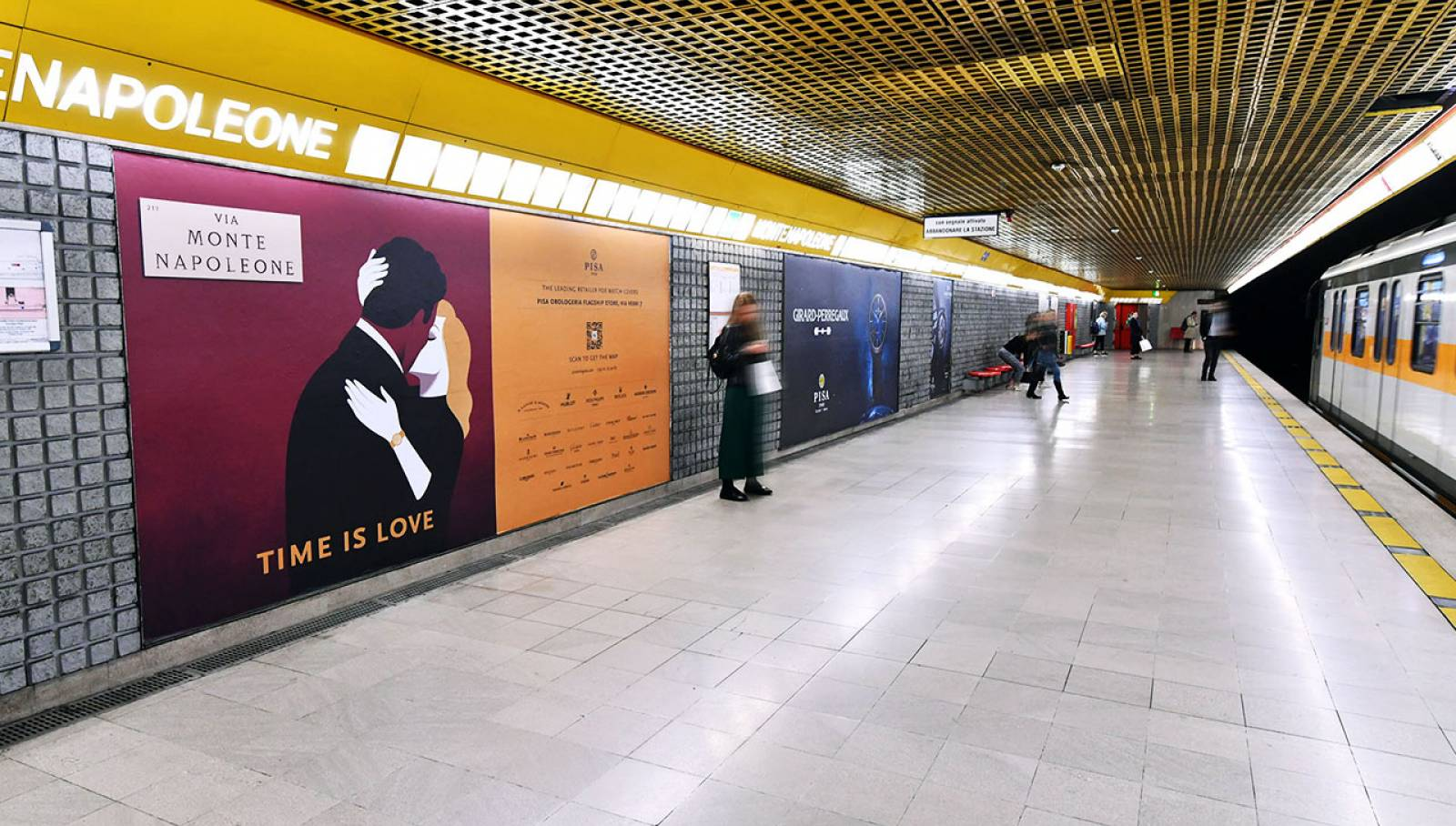 Out of Home IGPDecaux in Milan Station Domination for Pisa Orologeria