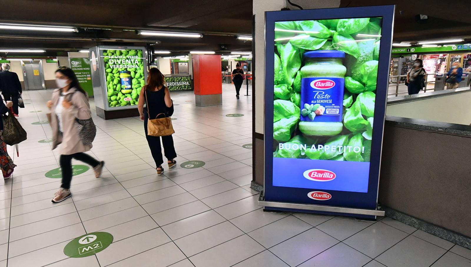 Comunicazione esterna IGPDecaux Station Domination per Barilla Milano Cadorna Barilla
