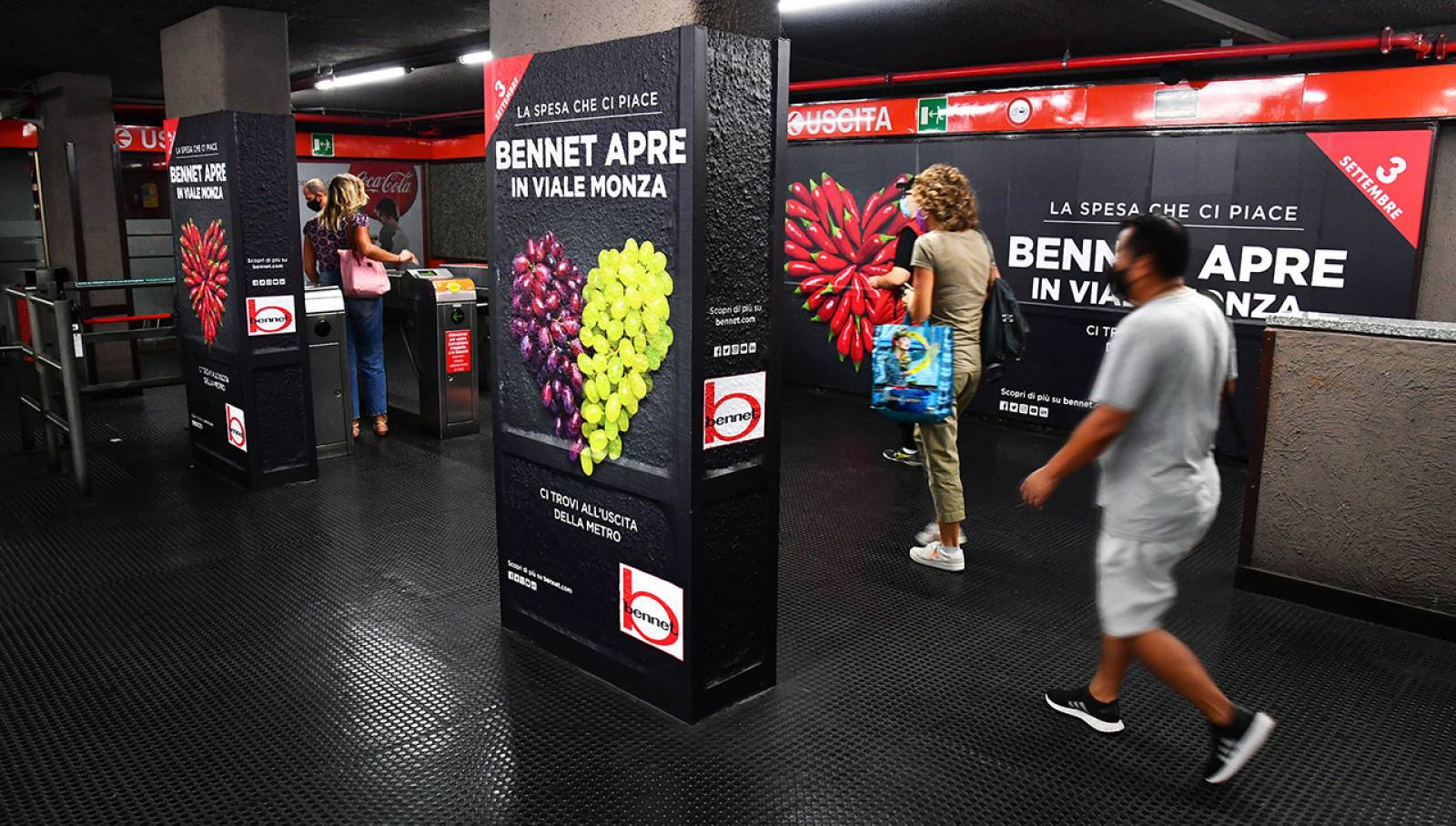 Campagna Out of Home IGPDecaux Milano Station Domination per Bennet