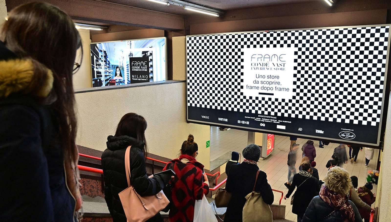 Pubblicità metropolitana milanese Station Domination per Condé Nast IGPDecaux