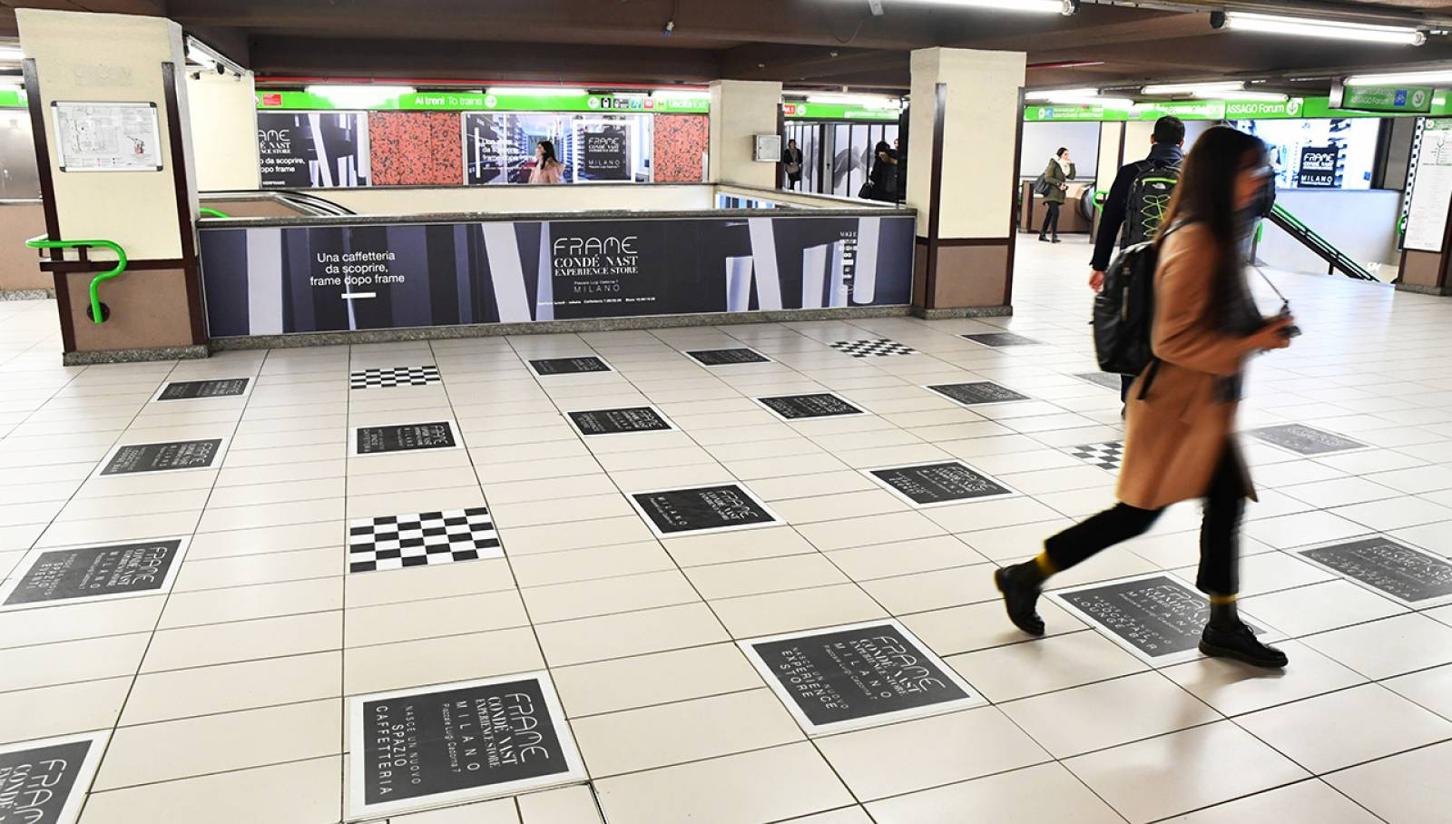 Comunicazione esterna IGPDecaux in metropolitana a Milano Station Domination per Condé Nast