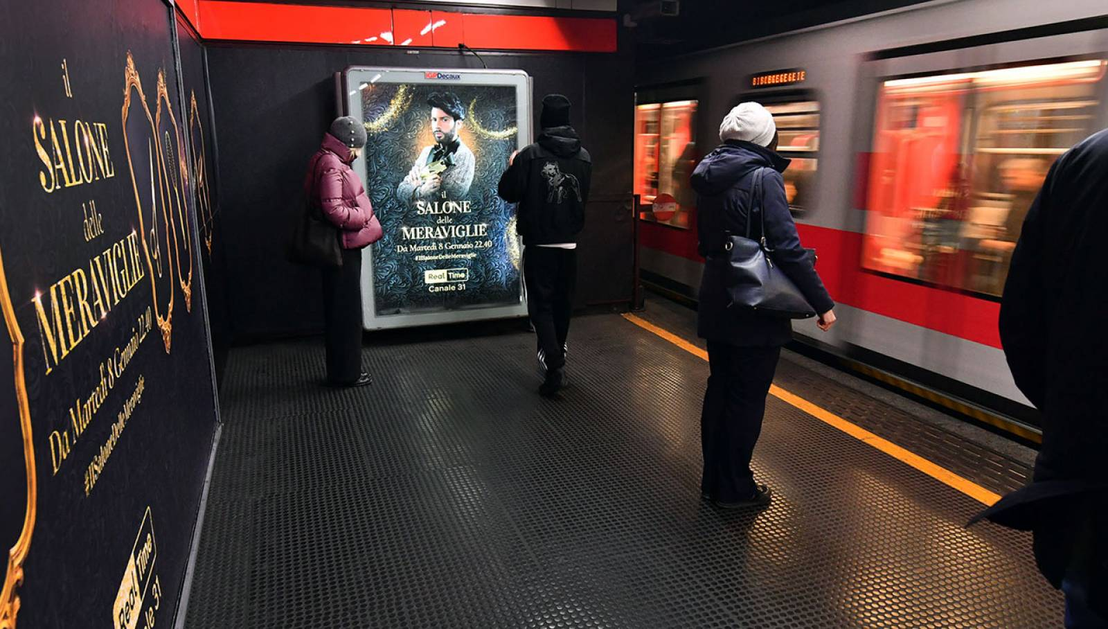 IGPDecaux station domination a Milano per Discovery Channel