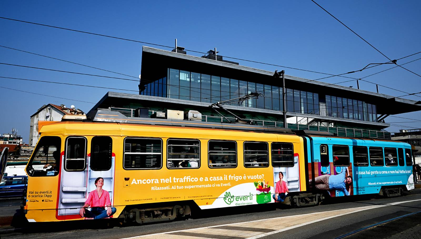 Pubblicità su tram per Everli a Torino Full-Wrap IGPDecaux