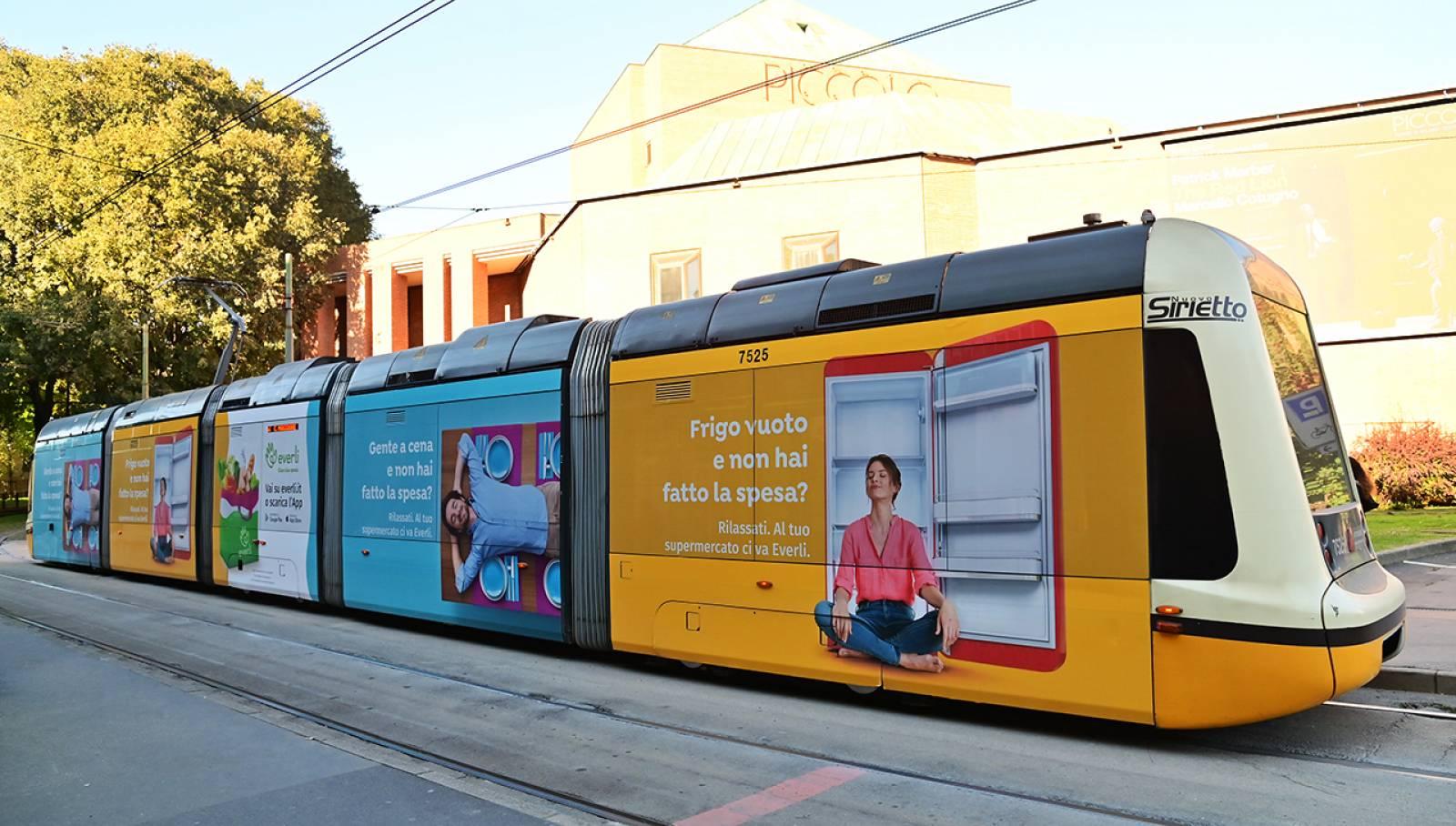 IGPDecaux Milano pubblicità su tram Full-Wrap per Everli