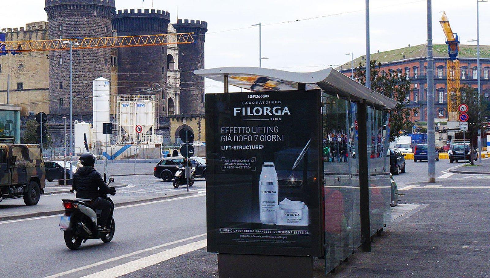 Pubblicità sulle pensiline a Napoli IGPDecaux pensiline digitali per Filorga