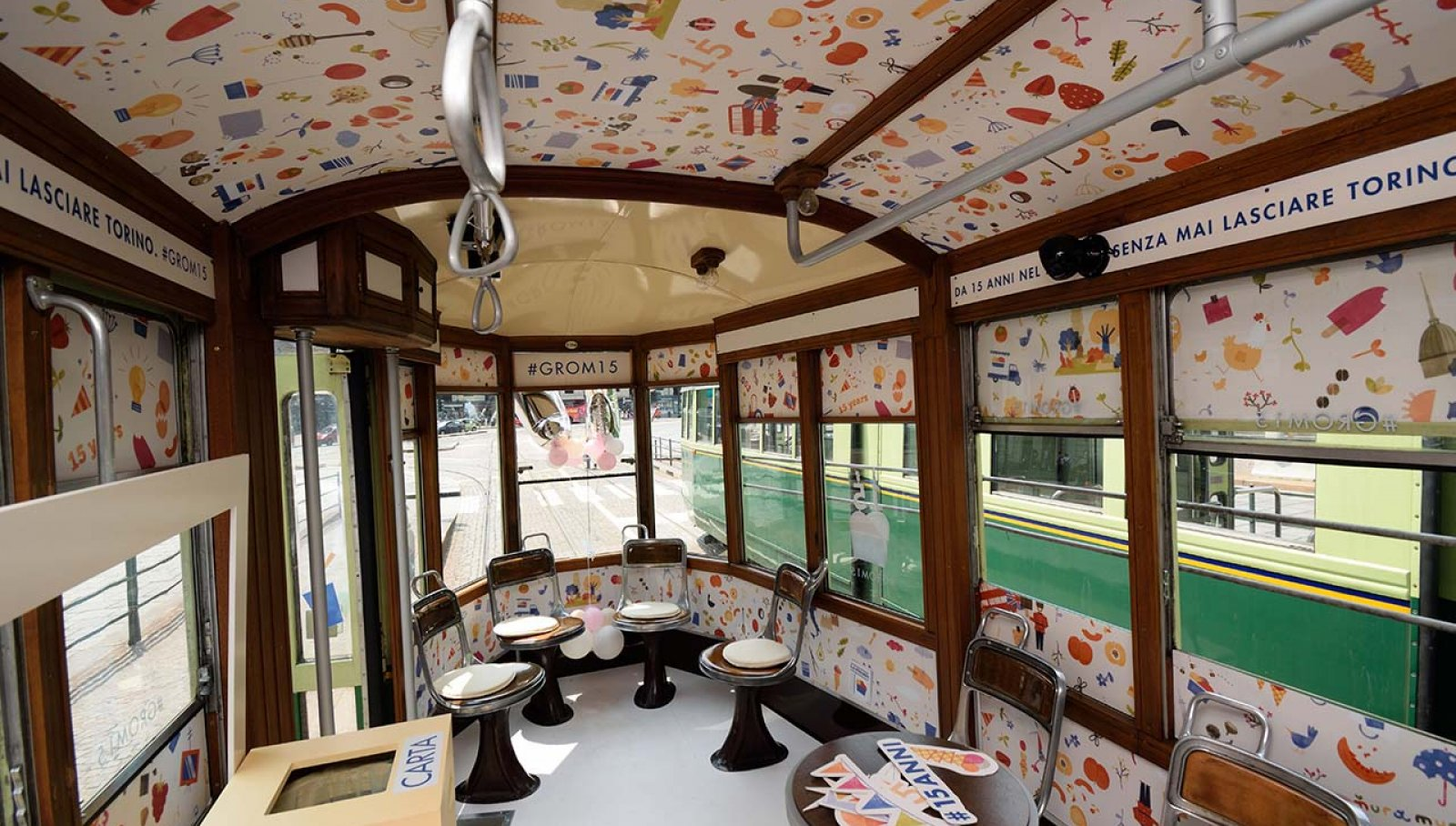IGPDecaux Torino tram speciale per Grom