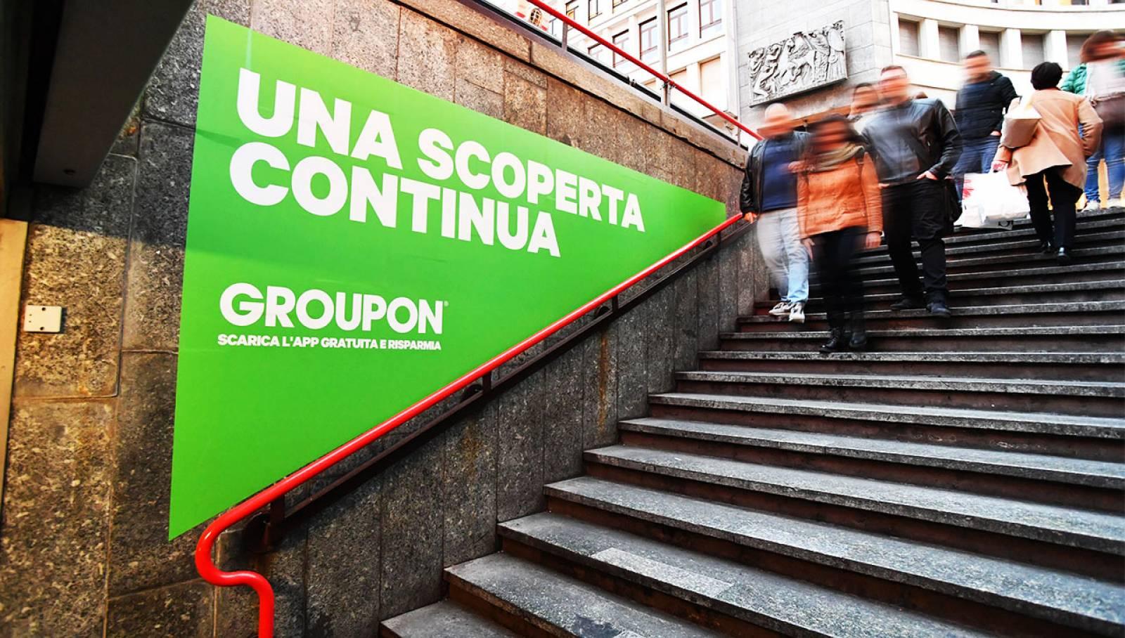 Pubblicità metro Milano Station Domination IGPDecaux per Groupon