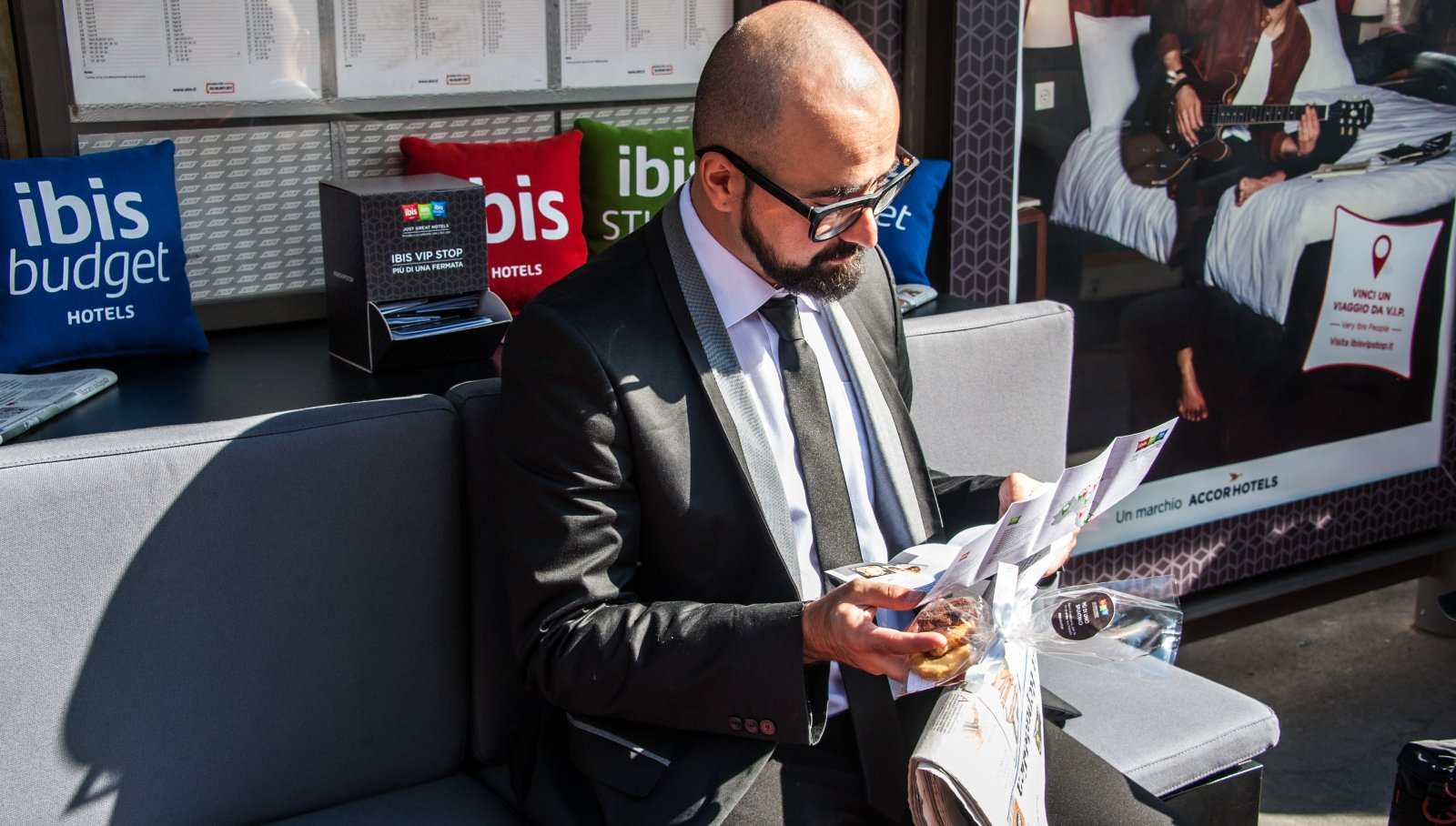 Ibis vip stop free wi-fi IGPDecaux Creative solutions