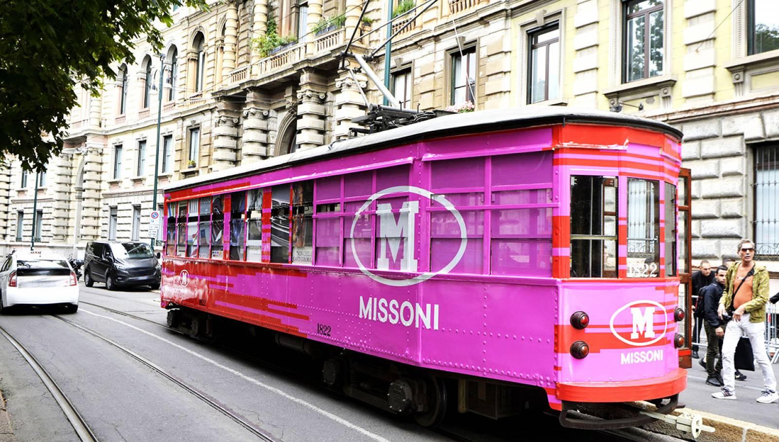 Pubblicità su tram IGPDecaux Milano tram decorato per M Missoni
