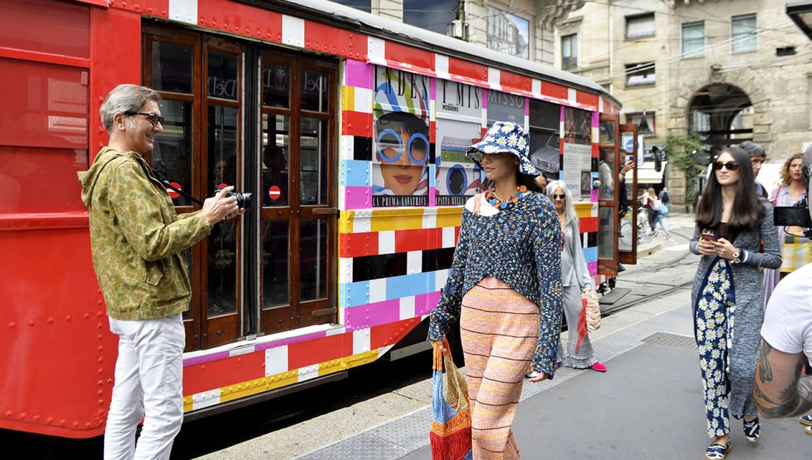 Pubblicità sui tram milanesi IGPDecaux tram decorato per M Missoni