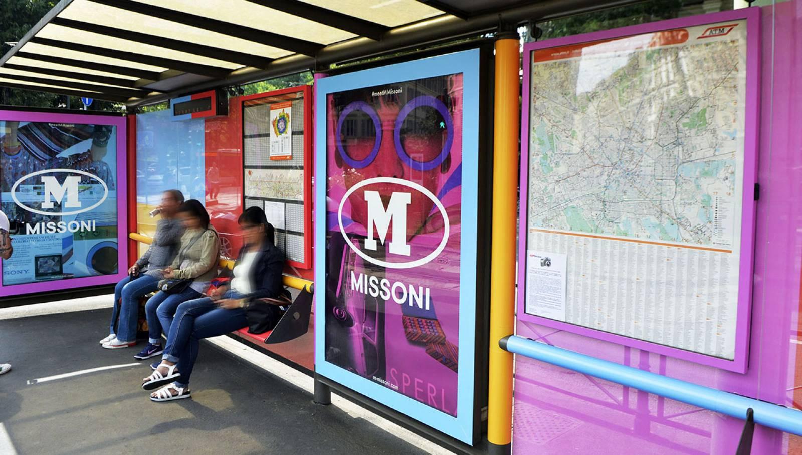 Pubblicità OOH IGPDecaux Brand pensiline a Milano per M Missoni
