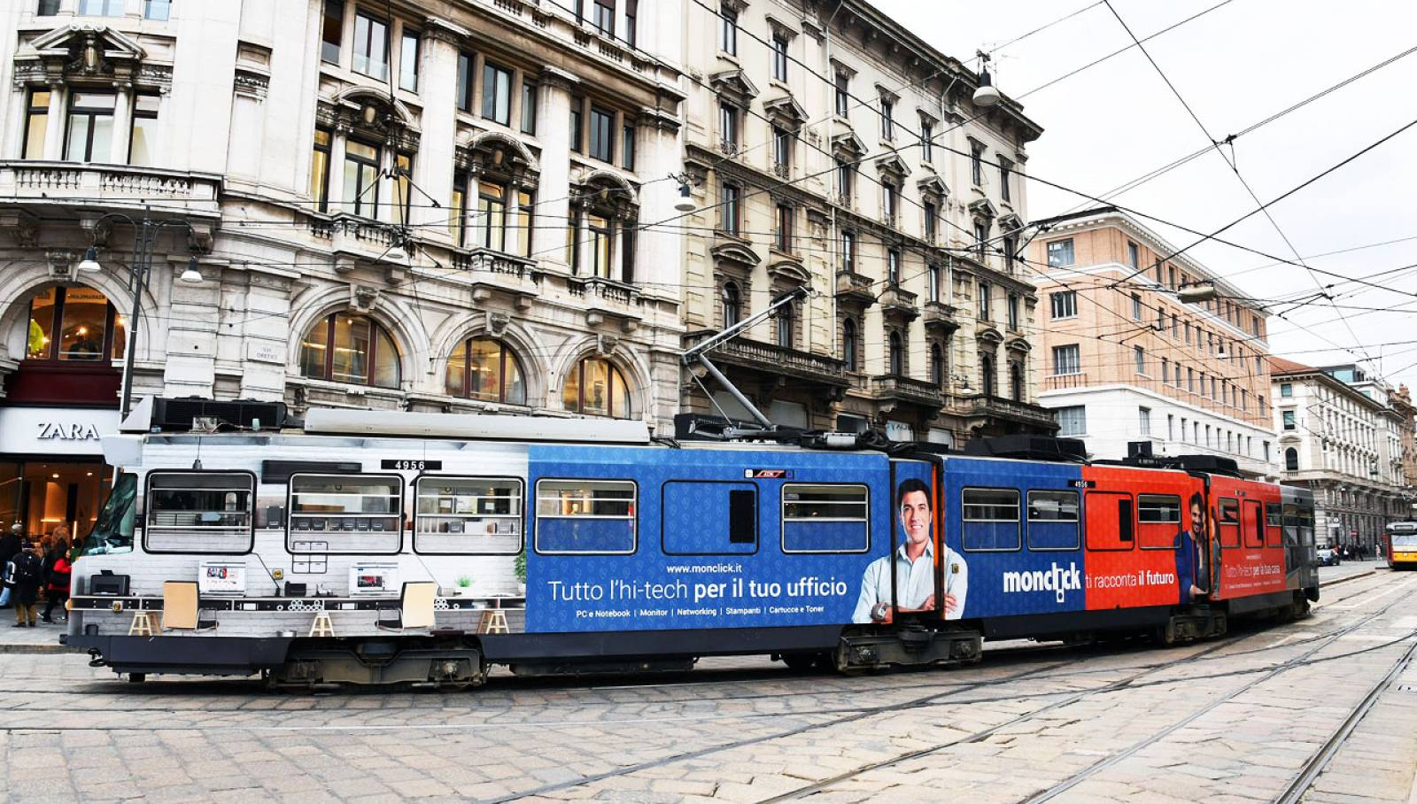 Out of Home IGPDecaux Milan Full-Wrap for Monclick