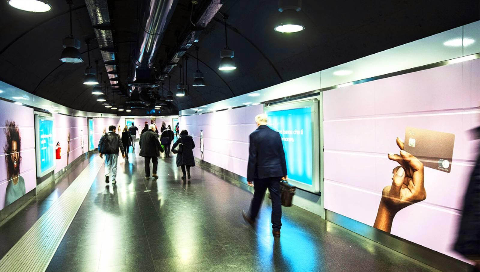 Pubblicità in metropolitana a Roma IGPDecaux Station Domination per N26