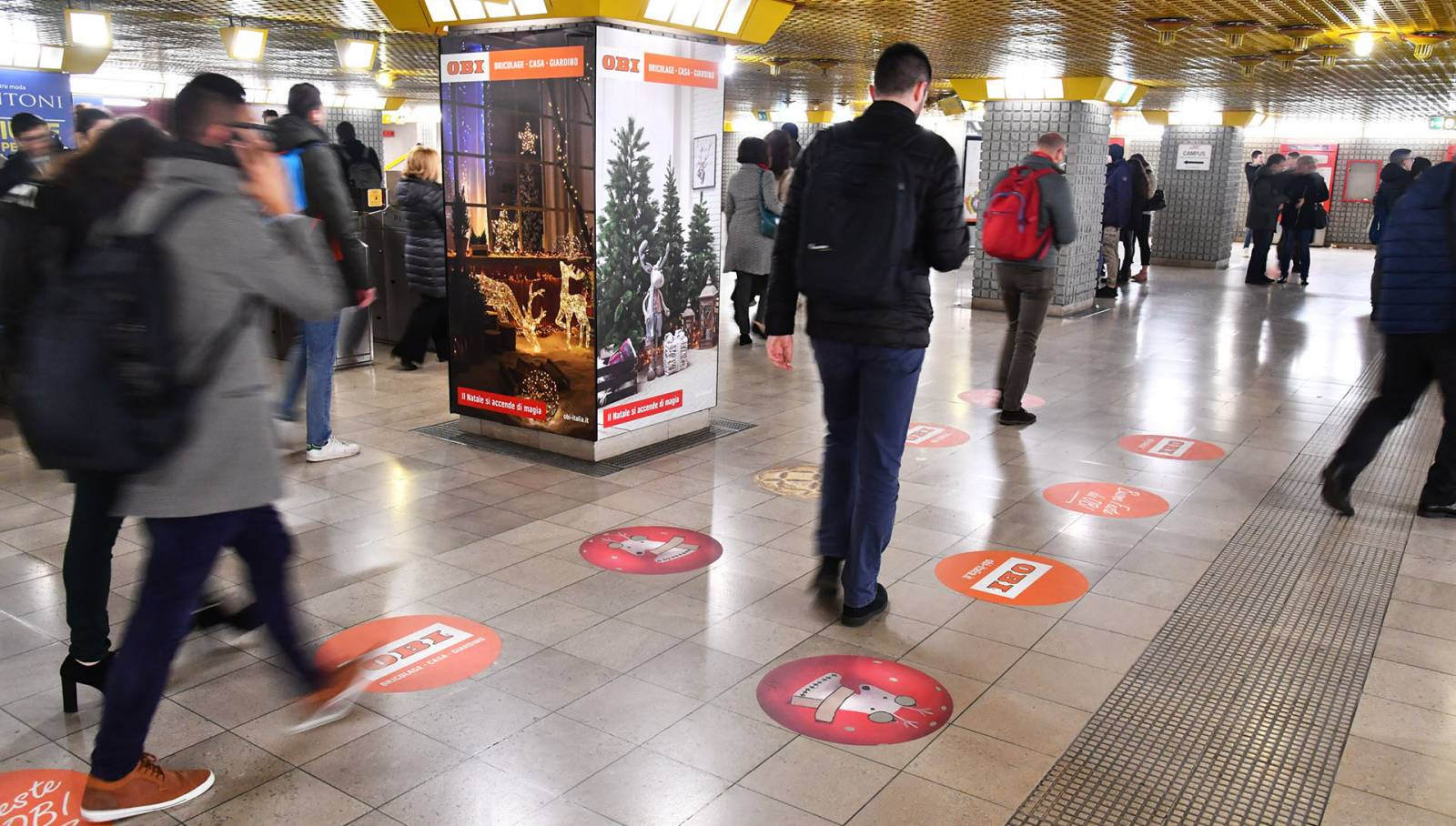 Out of Home advertising in Milan IGPDecaux Station Domination for OBI Italia