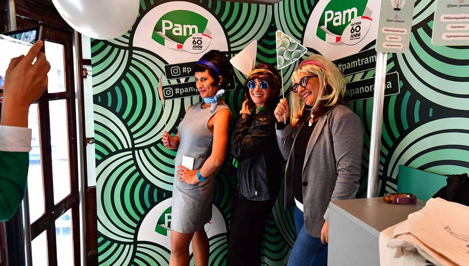 Tram Pam IGPDecaux a Milano per Gruppo Pam