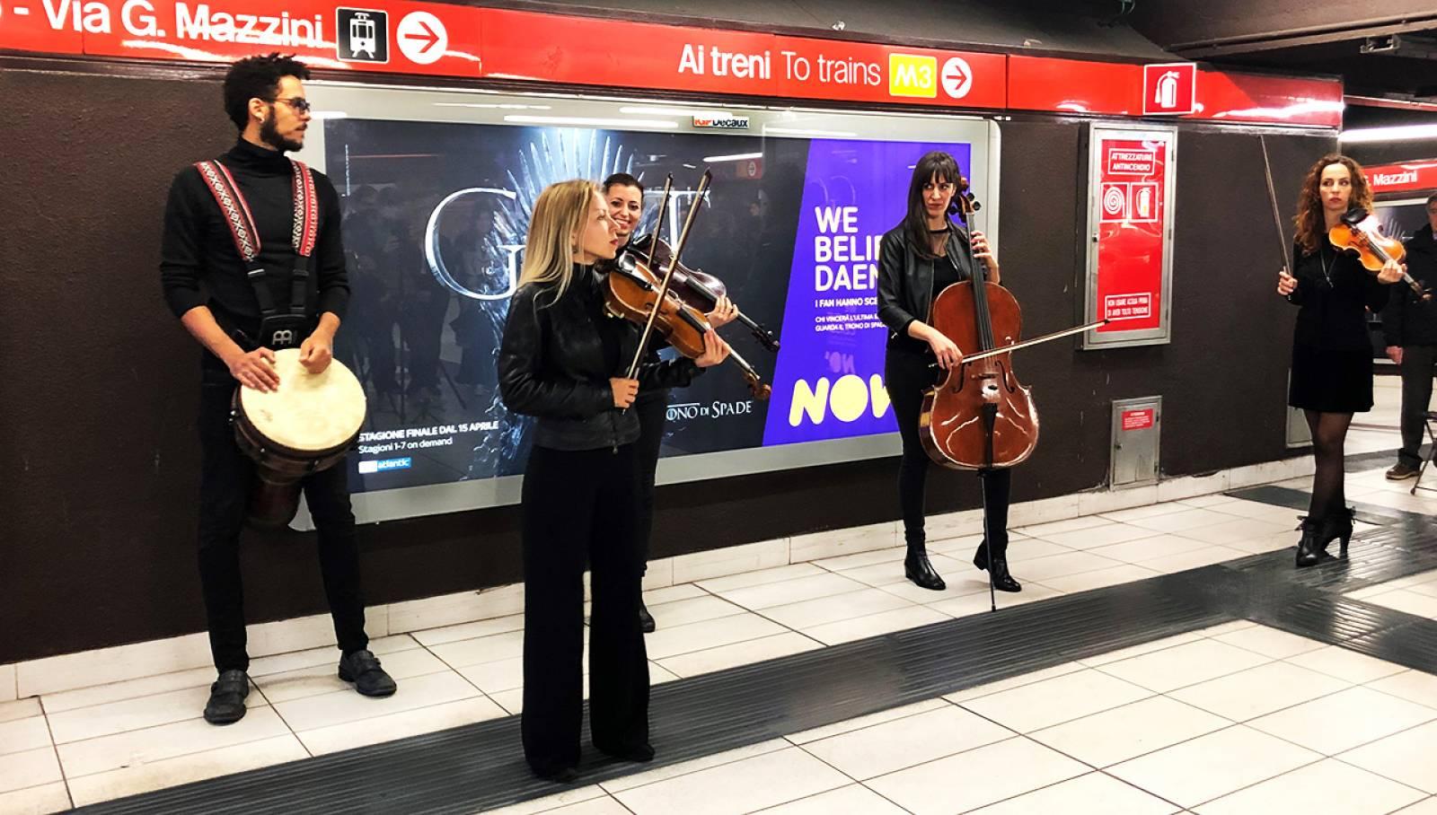 IGPDecaux Creative Solutions quartetto d'archi per il trono di Spade Now TV metropolitana Duomo Milano
