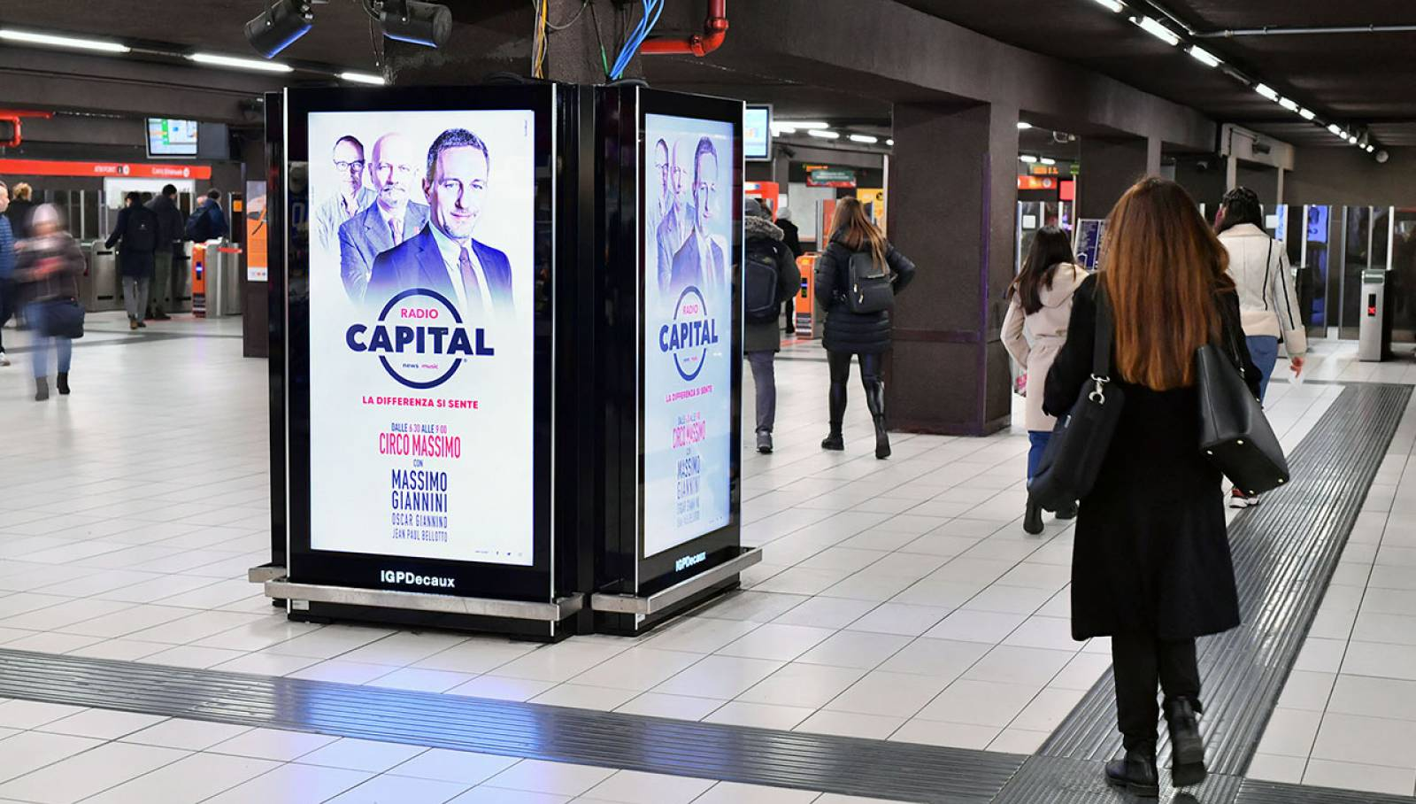 IGPDecaux Out of Home advertising in Milan Underground Vision Network for Radio Capital