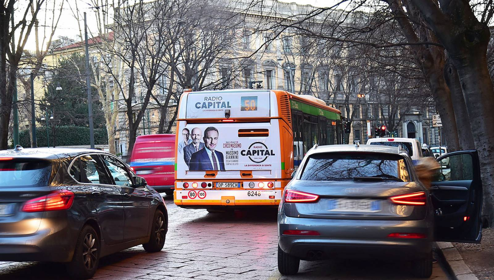 OOH advertising IGPDecaux in Milan Full-Back for Radio Capital