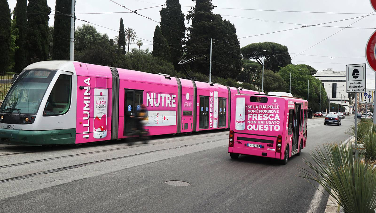 Out Of Home IGPDecaux a Roma Full-Wrap per L'Estetista Cinica