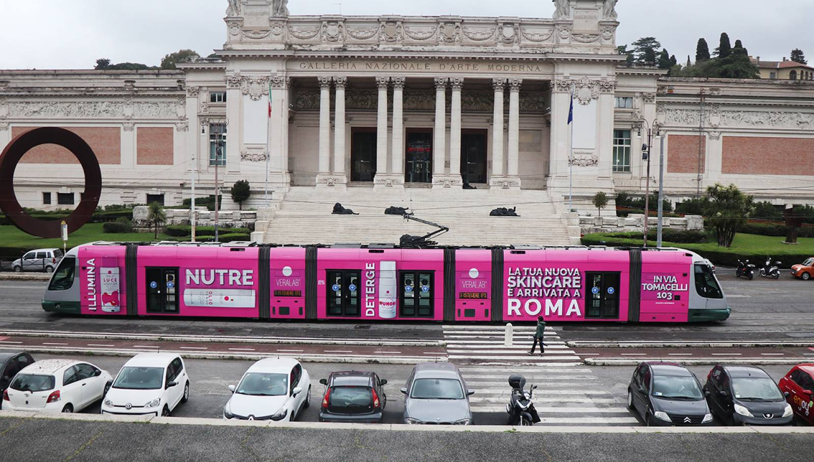 Pubblicità OOH a Roma Full-Wrap IGPDecaux per L'Estetista Cinica