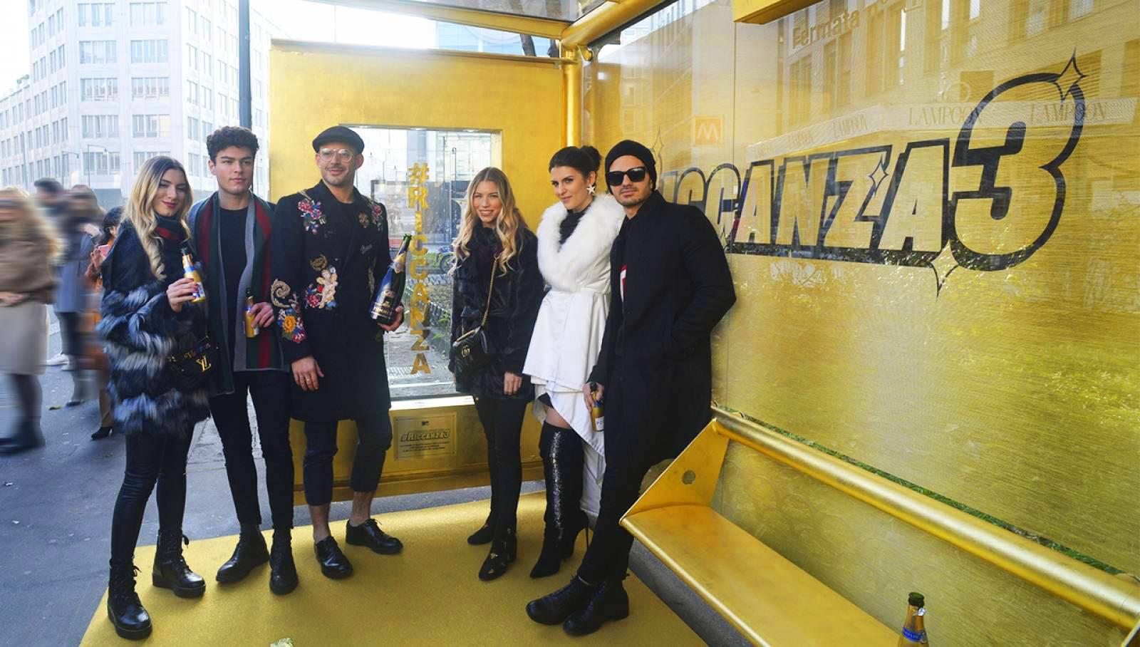 OOH IGPDecaux Milano brand pensilina per Riccanza MTV