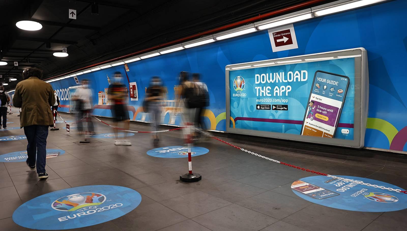Pubblicità in metropolitana a Roma Spagna Station Domination IGPDecaux per UEFA 2020