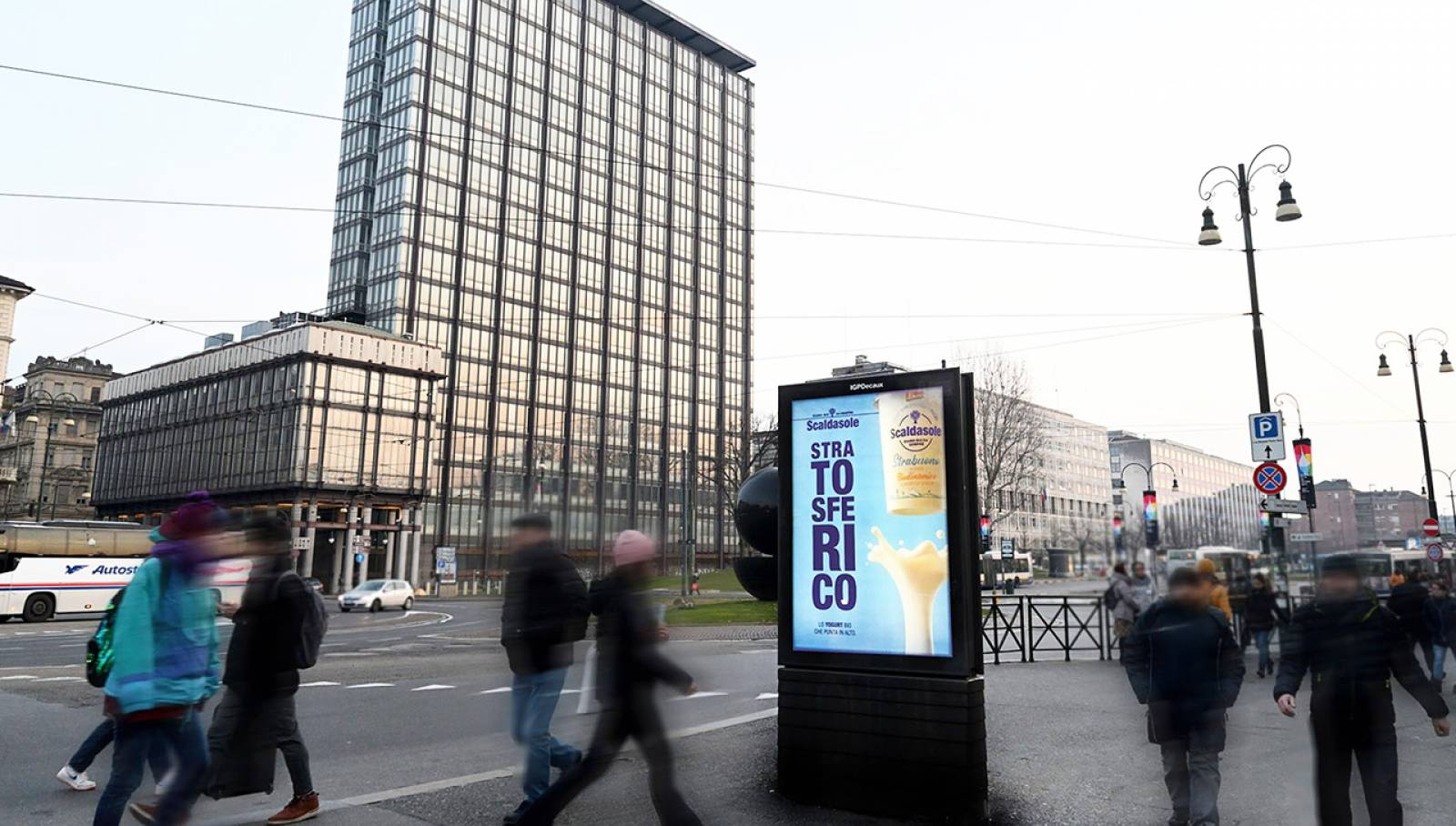 IGPDecaux OOH advertising in Turin MUPI for Scaldasole
