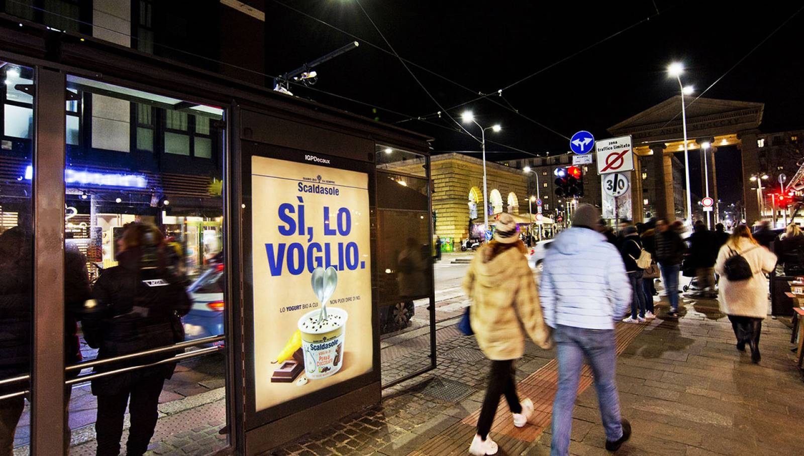 OOH advertising IGPDecaux in Milan Bus shelters for Scaldasole