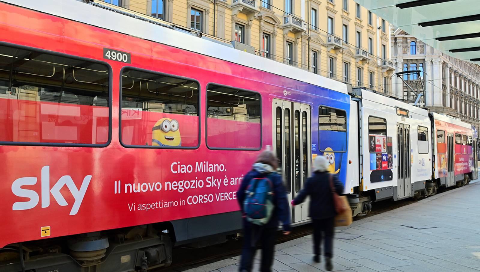Full-Wrap a Milano IGPDecaux per SKY Italia