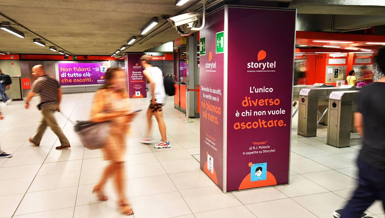Pubblicità metro Milano IGPDecaux Station Domination per Storytel